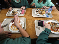 Marketing Tricks For School Lunches_20101012123930_JPG