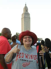 Wings fan pic_20110504153650_JPG
