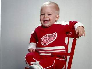 Red Wings kid_20110505051408_JPG