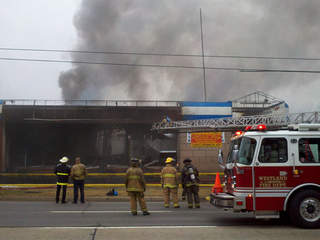 WXYZ-Inkster mattress store fire