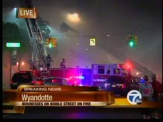 Fire shuts down downtown Wyandotte