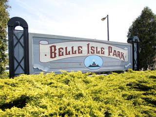 Belle Isle Sign