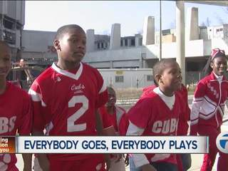 Detroit football team gets great gift