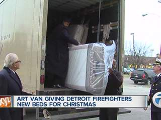Art Van Furniture donates 150 mattresses to Detroit firehouses