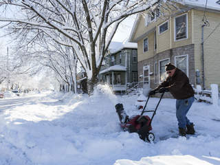 snowblower_20121226072928_JPG