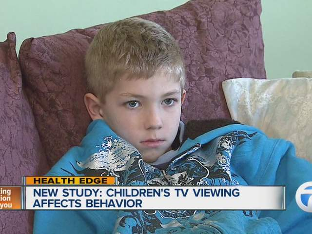 how the tv affects children How do movies and tv influence behavior close various surveys have shown that most children watch tv from fourteen to forty-nine hours a week or what effect does it have on her younger brother to watch twenty-two hours of tv a week and be shown violence depicted as exciting.