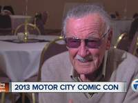 Stan_Lee_at_Motor_City_Comic_Con_592880000_JPG