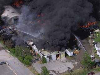 Fire_at_warehouse_in_Windsor_599210001_JPG