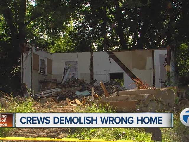 Demolition Wrong House : Crews demolish the wrong house in pontiac one homeowner