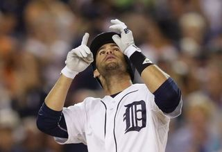 J.D. Martinez out 4-6 weeks with broken elbow