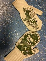 Michigan Mittens benefit wounded soldiers