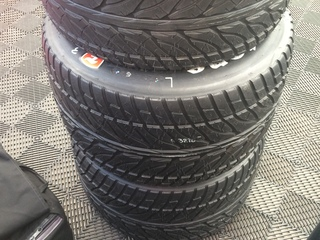 Explaining the differences in IndyCar tires