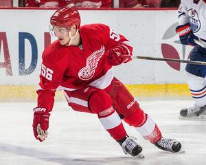 Red Wings re-sign Teemu Pulkkinen