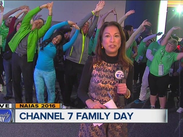 Photos Channel 7 Family Day At The 2016 North American