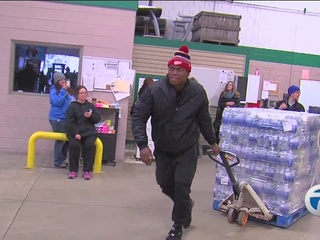 Lions donate 94,000 bottles of water to Flint