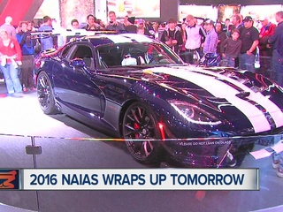 Thousands attend final days of Detroit Auto Show