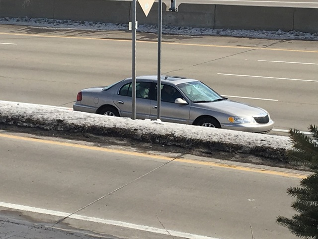 Saturday Morning Snow In Madison >> Woman's windshield smashed from ice off flying car on I-696 - WXYZ.com
