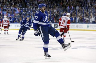 Red Wings eliminated by late Lightning goal