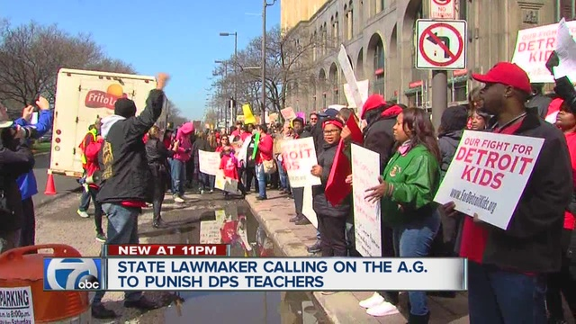 Lansing lawmaker wants DPS teachers punished