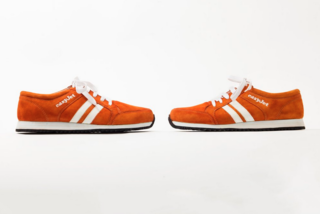 Airline testing out smart navigation sneakers