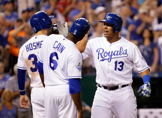 Perez's big night helps Royals rout Tigers