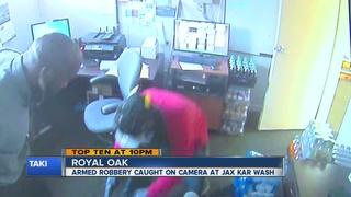 VIDEO: Gunman holds up Royal Oak Jax Kar Wash
