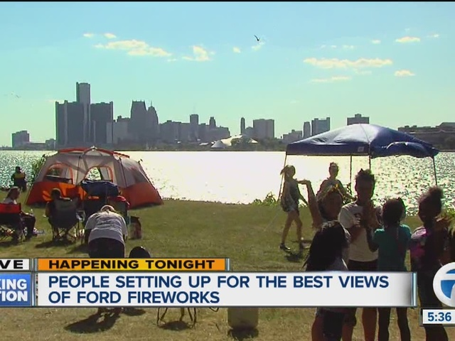 Thousands pack Belle Isle for Detroit fireworks