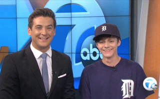 Jurassic World actor helps co-anchor WXYZ sports
