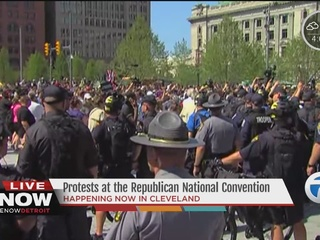 Protesters clash with police at RNC in Cleveland