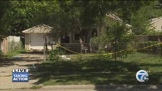 Woman found living with dead body in Hazel Park