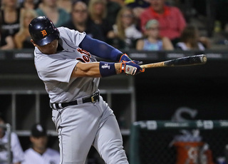 Cabrera makes history as Tigers top White Sox