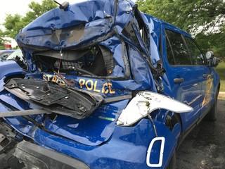 MSP trooper injured in I-696 EB accident