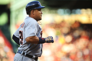 Cabrera homers, Tigers outlast Sox in slugfest