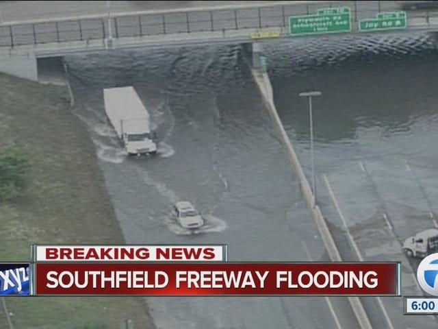 Heavy rain floods Southfield Freeway