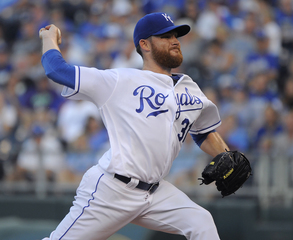 Kennedy pitches Royals past Tigers; Cabrera hurt