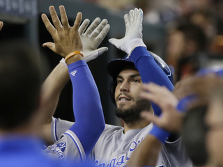 Royals homer four times to beat Tigers