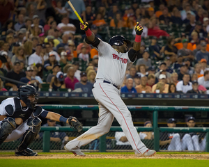 Ortiz homers in rainy Red Sox win over Tigers
