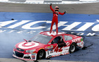 Late restart helps Larson to first Cup victory