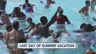 Kids spend last day of vacation splashing around