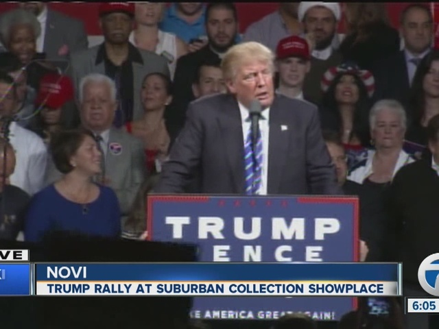 Donald Trump speaks in Novi