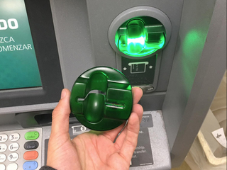 How to protect yourself from credit card skimmer