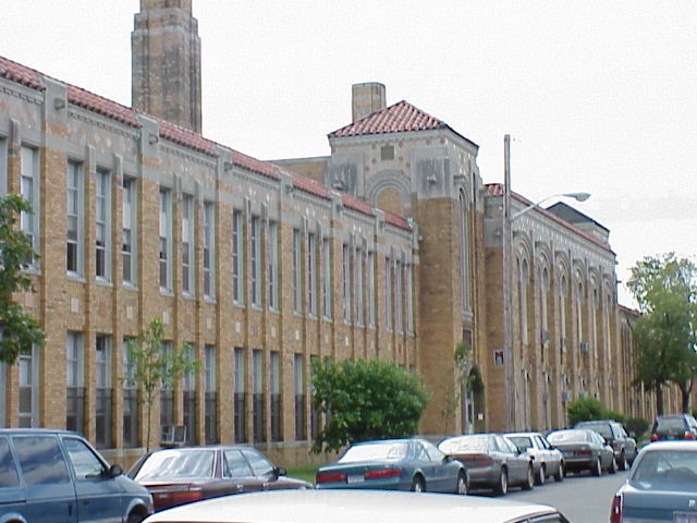 Hamtramck H.S. closed due to a police situation