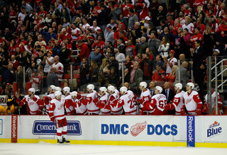 Nyquist leads Red Wings past Predators