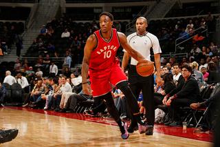 DeRozan's 40 helps Raptors top Pistons in opener
