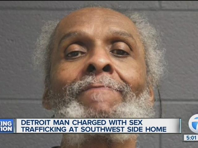 Man charged with sex trafficking after woman calls police