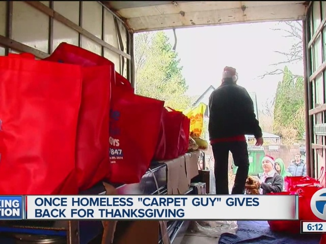 Valley volunteers provide meals for Thanksgiving