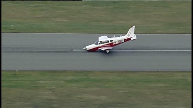 Pilot OK after rough landing at Oakland County International Airport