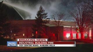 Crews battle building fire in Auburn Hills