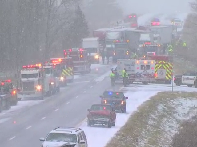 More than 40 vehicles involved in pileup on I-96 westbound