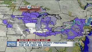 Detroiters prepare for Sunday snow storm